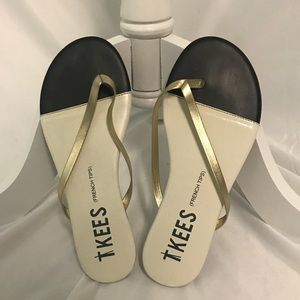 Tkees French Tip flip flops Sz 6 EUC